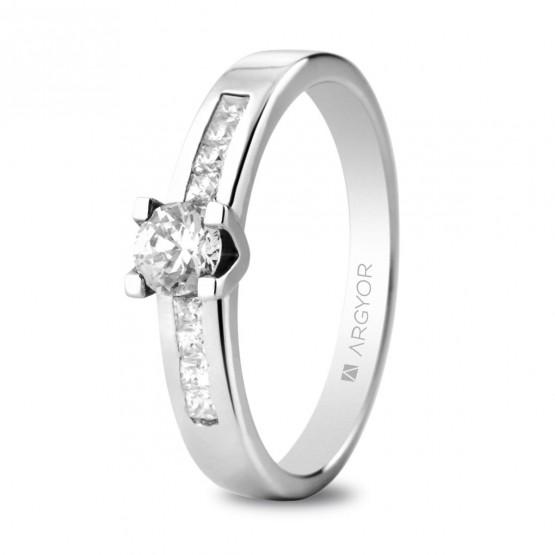Anillo de compromiso de platino y diamantes 0.46 ct (74B0045)