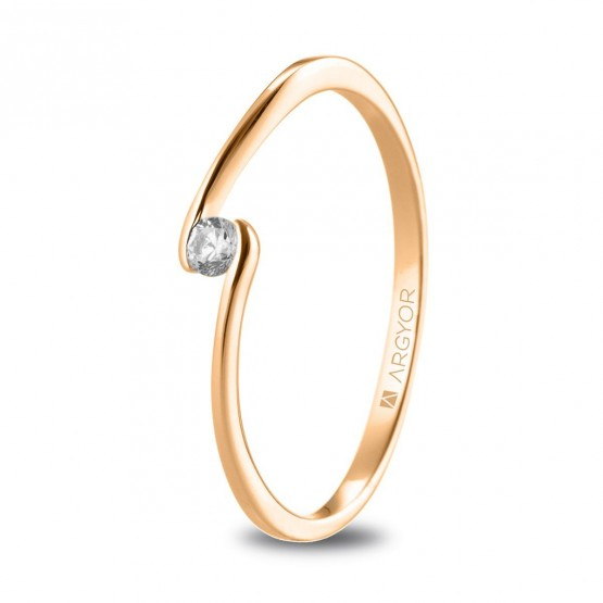Anillo solitario de oro rosa con diamante 0.06ct (74R0085)