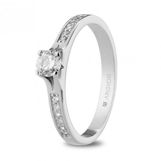 Anillo de Compromiso blanco con 13 diamantes (74B0106)