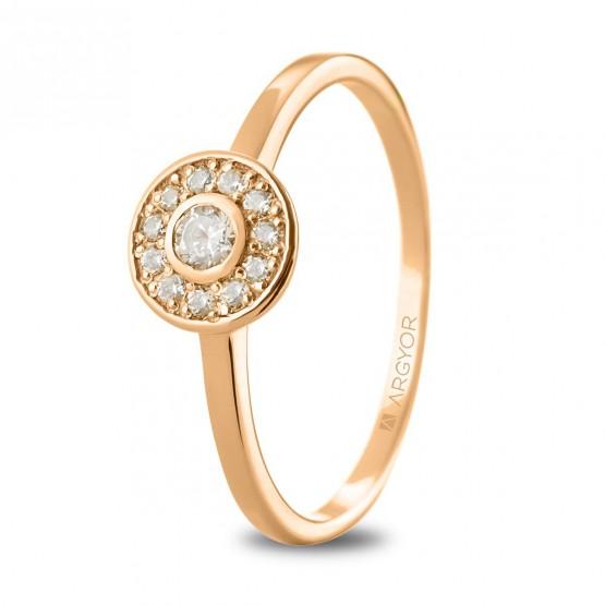Anillo de oro rosa con diamantes en halo (74R0088)