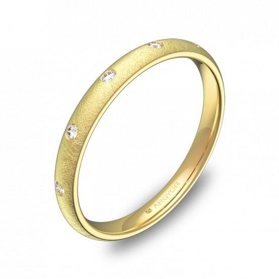 Alianza de 2,5mm oro amarillo hielo con diamantes A0125H5BA