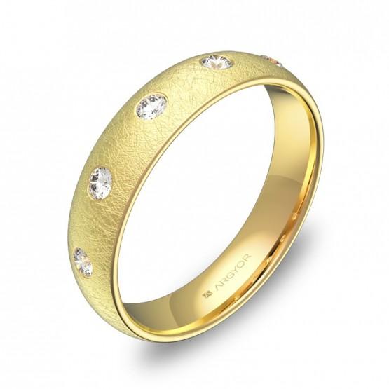 Alianza de media caña gruesa en oro hielo con diamantes A0145H5BA