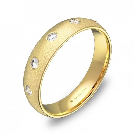 Alianza de boda de media caña en oro amarillo y diamantes A0145T5BA