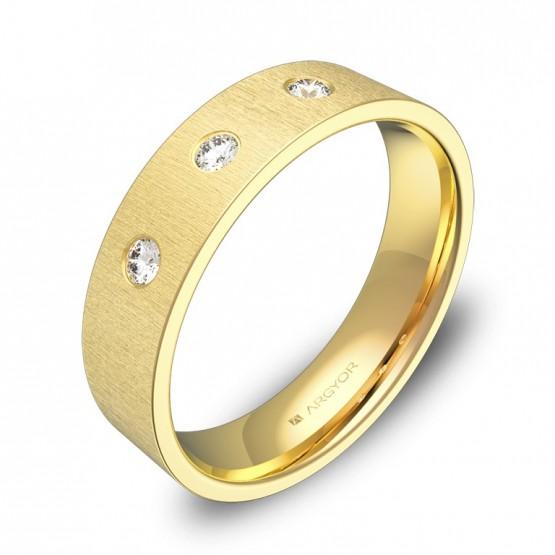 Alianza de boda plana gruesa de oro amarillo con diamantes B0150T3BA