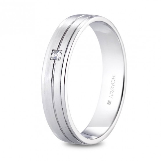 Alianza de platino 4.5mm con diamante princesa (05901245P)